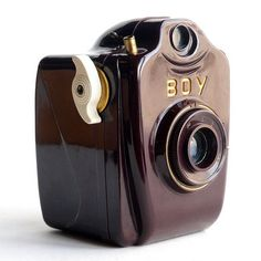 Amassing vintage video camera is a exciting method to gain know-how about history and picture taking. Despite the fact that people are enhancing to actually dissonant, film digital cameras commonly are not of sufficient age to be considered old Photography Camera, Vintage Photography, Pregnancy Photography, Underwater Photography, Underwater Photos, Landscape Photography, Portrait Photography, Fashion Photography, Wedding Photography