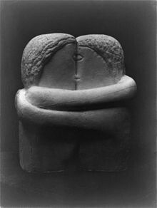 Constantin Brancusi, The Kiss, Exhibited at the Armory Show and published in the Chicago Tribune, 25 March - Constantin Brâncuși - Wikipedia, the free encyclopedia Brancusi Sculpture, Plaster Sculpture, Stone Sculpture, Sculpture Art, Sculpture Ideas, Constantin Brancusi, Plaster Cast, Creators Project, 25 March