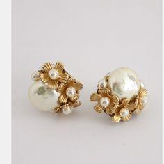 Bali Jewelry, Gems Jewelry, Pearl Jewelry, Bridal Jewelry, Vintage Jewelry, Jewelry Accessories, Jewelry Design, Gold Fashion, Floral Fashion