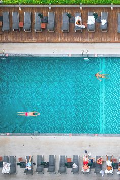 Aerial view of the pool at the Royal Orchid Sheraton, Bangkok, Thailand | Where to stay in Bangkok, Thailand |  This hotel makes a perfect base for exploring the Bang Rak neighborhood, Chinatown, Walking Street, and the river ferry on the Chao Phraya River.