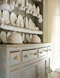 hutch dripping with creamware