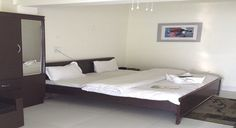 Book budget Lansdowne Hotels online on attractive rates and discounts. http://www.thegarhwaliinn.com/accommodation.html
