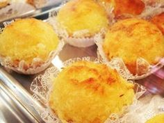 Bombocadinho de abacaxi. Cupcakes, Cake Cookies, Portuguese Recipes, Chocolate, Sweet Recipes, Biscuits, Deserts, Muffin, Good Food