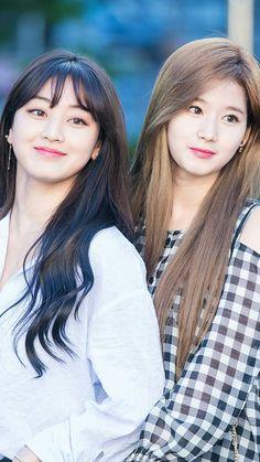 TWICE | Jihyo and Sana
