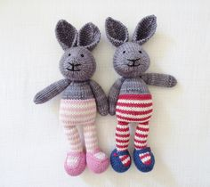 bunny girl in a dotty dress by little cotton rabbits, Julie Williams. malabrigo Worsted in frost Gray and Chapel Stone with Adriafil yarn.