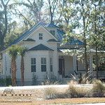 Fav. Reminds me of old Florida Homes in Gainesville and Ocala. The Colleton Plan by Allison Ramsey Architects. This plan is 2083 Heated Square Feet, 3 Bedrooms and 2 Bathrooms. Carolina Inspirations Book I, Page 14, C0215.
