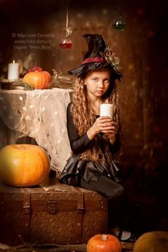 Best Picture For kids halloween printables For Your Taste You are looking for something, and it is g Halloween Mini Session, Halloween Fashion, Halloween Pictures, Halloween Outfits, Halloween Photography, Autumn Photography, Dark Photography, Halloween Canvas, Halloween Kids