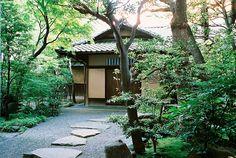 Hongo, Tokyo by Jun Takeuchi, via Flickr