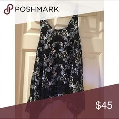 Free people XS top XS floral top, very cute! Only worn once. Free People Tops Tank Tops