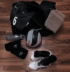 Volleyball Images, Volleyball Poses, Volleyball Training, Volleyball Workouts, Women Volleyball, Volleyball Team, Cheerleading, Soccer, Volleyball Wallpaper