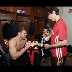 blake griffin, Steve Nash and Kevin Love. Talk about too much hotness in one place! Nba Players, Basketball Players, Marc Gasol, Kevin Love, La Clippers, Blake Griffin, Los Angeles Clippers, Man Crush, Hot Guys
