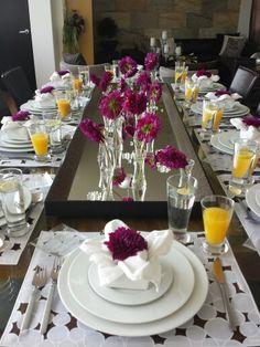 La Dalia, flor de México viste de forma extraordinaria una mesa...