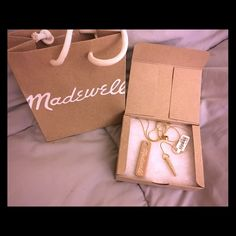 Madewell Lariat Necklace. Beautiful Brand New Madewell Lariat Necklace in Antique Gold with Rhinestones. Very pretty necklace. Brand New. Never worn. Comes with tags, gift box and small shopping bag. Retail price $55. Madewell Jewelry Necklaces
