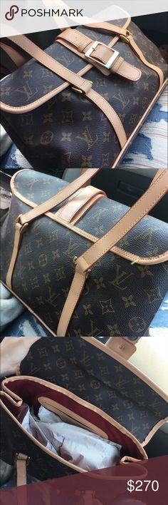 Louis Vuitton purse GREAT CONDITION, not authentic but exact replica Louis Vuitton Bags Shoulder Bags