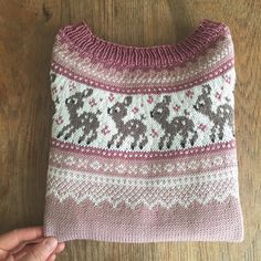 When my 5 year old got to choose for herself 💕🦌💕 Fair Isle Knitting Patterns, Knitting Machine Patterns, Arm Knitting, Knitting For Kids, Crochet Bebe, Knit Crochet, Diy Knitting Projects, Knitted Jackets Women, Knitted Baby Clothes