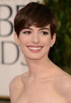 アン・ハサウェイ(Anne Hathaway) ショートヘア : 【ショートヘア】2017年♡流行!ショートヘアが似合う芸能人・モデルとは!?【ショートカット】 - NAVER まとめ