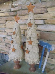 BURLAP TREES! Sassy Sites!: Crafty Christmas Trees!