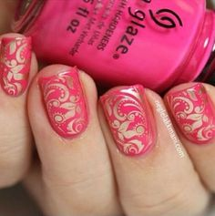 China Glaze Escape Reality stamped with Essie Good As Gold, Dashica Big SdP-F stamping plate Wow Nails, Pink Nails, Cute Nails, Pretty Nails, Fabulous Nails, Gorgeous Nails, Amazing Nails, Perfect Nails, Nail Stamper