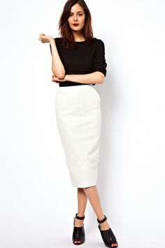 White pencil skirt outfits are most trendy skirts to the fashionable women. Let's pick your best white skirts of 2015 to get sexier and stylish look. White Leather Skirt, Long Leather Skirt, Leather Skirts, Leather Leggings, Work Fashion, Fashion Outfits, Womens Fashion, Office Fashion, Petite Fashion