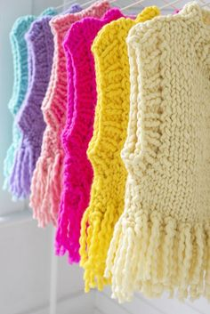 Vogue Knitting, Knitting Yarn, Knitting Patterns, Crochet Patterns, Free Knitting, Stitch Patterns, Arm Knitting Tutorial, Knitting Tutorials, Crochet Baby