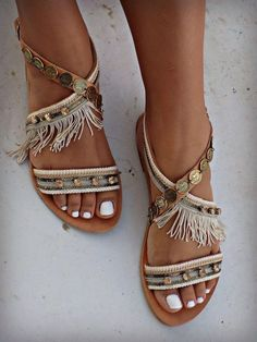 Boho sandals, strappy sandals, leather sandals, gladiator sandals, t strap Cute Sandals, Shoes Sandals, Women Sandals, Look Boho Chic, Bohemian Style, Boho Shoes, Knit Shoes, Leather Sandals Flat, Flat Sandals