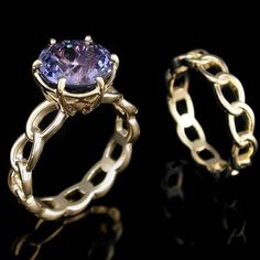 Eternal Chain Engagement Ring and Wedding Band. #yellowgoldring #colorchange #sapphire #engagementring #weddingring #custommadejewelry