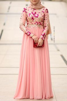 Annah Hariri, Online, Modest clothing atelier of high end quality Dress Muslim Modern, Muslim Prom Dress, Hijab Evening Dress, Flower Dresses, Modest Dresses, Stylish Dresses, Simple Dresses, Modest Clothing, Abaya Fashion