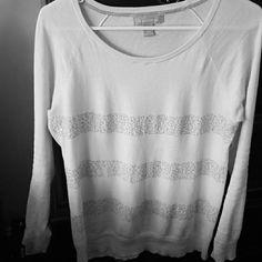 Banana republic white sparkling stripe sweater Cotton off-white sweater. Soft, light, and great for layering. Perfect for the season! Banana Republic Sweaters Crew & Scoop Necks