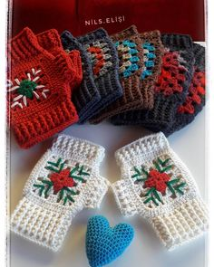 Eldivenlerimin toplu pozuyla iyi pazarlar keyifli akşamlar diliyorum 💝☕Kah… I wish you good markets and pleasant evenings with the collective exposure of my gloves in I hope your coffee maker is very 💕 Crochet Gloves Pattern, Crochet Socks, Crochet Scarves, Crochet Patterns, Crochet Mandala, Crochet Art, Free Crochet, Crochet Hand Warmers, Fingerless Gloves Knitted