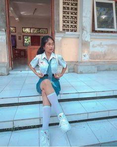 Untitled All Girls School, School Girl Outfit, Video Hijab, Indonesian Girls, High School Students, School Uniform, Fashion Outfits, Womens Fashion, Asian Girl
