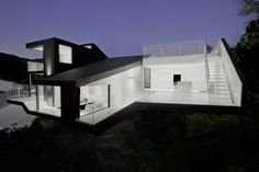 Nakahouse, Hollywood Hills, California, USA by XTEN Architecture