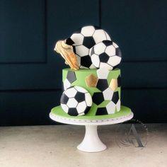 Football Birthday Cake, Soccer Birthday Parties, Beautiful Birthday Cakes, Beautiful Cakes, Football Themed Cakes, Soccer Ball Cake, Create A Cake, Different Cakes, Types Of Cakes