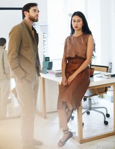 Christophe Lemaire e Sarah-Linh Tran Christophe Lemaire, Stylish Couple, Couple Outfits, Spring Summer Fashion, Style Icons, Women Wear, Style Inspiration, Vintage, My Style
