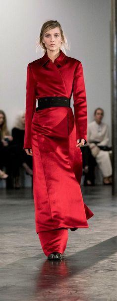 Tendências OutonoInverno 20172018 05 Os Vermelhos  Fragmentos de Moda