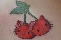 Hello Kitty tattoos are a forever craze in the tattoo industry. 20 crazy Hello Kitty tattoos, just scroll down and decide which one will suit your body type. Hello Kitty Theme Party, Hello Kitty Themes, Hello Kitty Birthday, Images Hello Kitty, Chat Hello Kitty, Great Tattoos, Body Art Tattoos, Girl Tattoos, Hand Tattoos