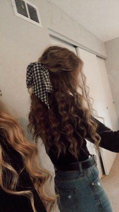 50 Stylish Curly Hair Styles Ideas For Women – Lockige Frisuren Sleep Hairstyles, Girls School Hairstyles, Summer Hairstyles, Easy Hairstyles, Night Hairstyles, Quince Hairstyles, Girls Hairdos, Hairstyles For Curly Hair, Wedding Hairstyles