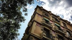 Tesoro en C/Vallfogona  Gràcia  Barcelona Foto by @thebarcelonist  #thebarcelonist #bcn #barcelona #vscobarcelona #wanderlust #worlderlust #passionpassport #thecreatorclass #barcelone #freedomthinkers #spain #europe #streetdreamsmag #bcnlovers #bcnexploradores #nuestrabcn #exploremore #exploretocreate #cityscape #streetphotography #instaworld #igrecommend #barcelonacity #barcelonagram #barcelonainspira #barriosdebcn #viladegracia #architecture #arquitectura by thebarcelonist