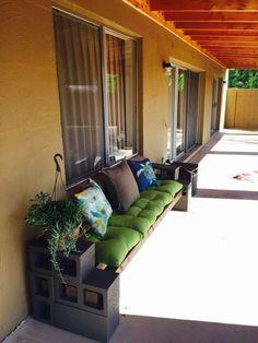 Creative Diy Cinder Block Furniture Decor Ideas – Decorating Ideas - Home Decor Ideas and Tips Cinder Block Furniture, Cinder Block Bench, Cinder Blocks, Diy Patio, Backyard Patio, Furniture Decor, Outdoor Furniture, Outdoor Seating, Home Decor Ideas