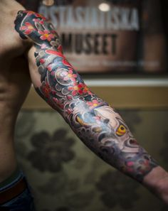 I love sleeve tattoos