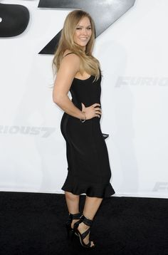 Ronda Rousey Boobs Pictures That Are Here To Rock Your World Ronda Rousey Pics, Ronda Jean Rousey, Wrestling Superstars, Wrestling Divas, Ufc Women, Sexy Women, Rhonda Rousy, Female Mma Fighters, Rowdy Ronda