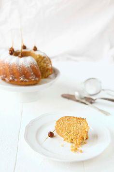 Apfel-Butterkuchen mit karamellisierten Haselnüssen