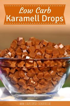 Low Carb Karamell-Drops: Perfekt als Topping - Staupitopia Zuckerfrei With these homemade low carb caramel drops you give your low carb pastries, your ice cream creations, sugar-free cupcakes, Protein Cupcakes, Protein Desserts, Healthy Protein, Protein Snacks, Low Carb Desserts, Low Carb Recipes, Paleo Dessert, Healthy Dessert Recipes, Menu Dieta Paleo