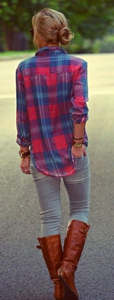 Great fit on this flanel... love the jeans too. Don't have anything like this color in my closet
