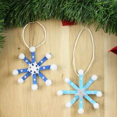 outdoor crafts for kids to make Popsicle Stick Christmas Crafts, Christmas Crafts For Kids To Make, Christmas Activities For Kids, Teacher Christmas Gifts, Handmade Christmas Decorations, Diy Christmas Ornaments, Craft Stick Crafts, Noel Christmas, Popsicle Sticks