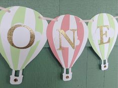 Hot air balloon name banner. Baby Shower banner I am 1 or ONE ho Happy Birthday Signs, Baby 1st Birthday, Air Ballon, Hot Air Balloon, Baby Shower Balloons, Birthday Balloons, Babyshower Party, Pastel Balloons, Balloon Banner