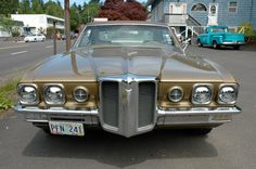 My first car: 1970 Pontiac Catalina. Same color, small block 400. That car would take off like a scalded cat!