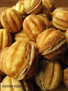 KUCHNIA PEŁNA MAGII ...: Ciastka i ciasteczka Italian Cookie Recipes, Italian Cookies, Cake Recipes, Snack Recipes, Food Cakes, Macaroons, Pretzel Bites, Nutella, Bakken