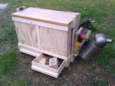 Værktøjskasse med plads til 12 x10 rammer og værktøj m.m.