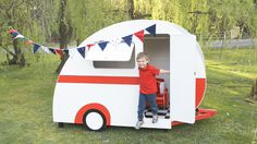 Caravan cubbies playhouse pretty cool but it ships from Australia :( Kids Cubby Houses, Kids Cubbies, Play Houses, Backyard For Kids, Backyard Ideas, Black Photography, Camping Crafts, Kids Corner