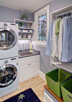 Vaatetangossa ja henkareissa voidaan myös kuivattaa vaatteita.